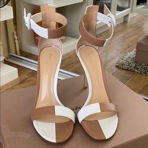 Gianvito Rossi beige/white DAMA sandals
